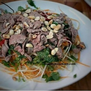 Vietnamese green papaya salad with beef