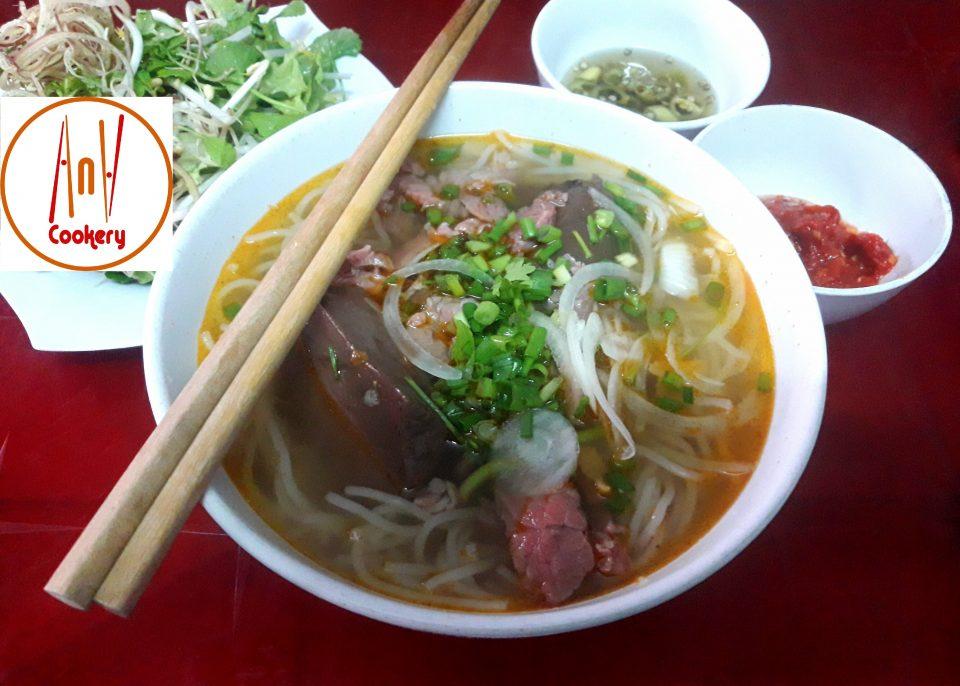 bun bo hue beef soup